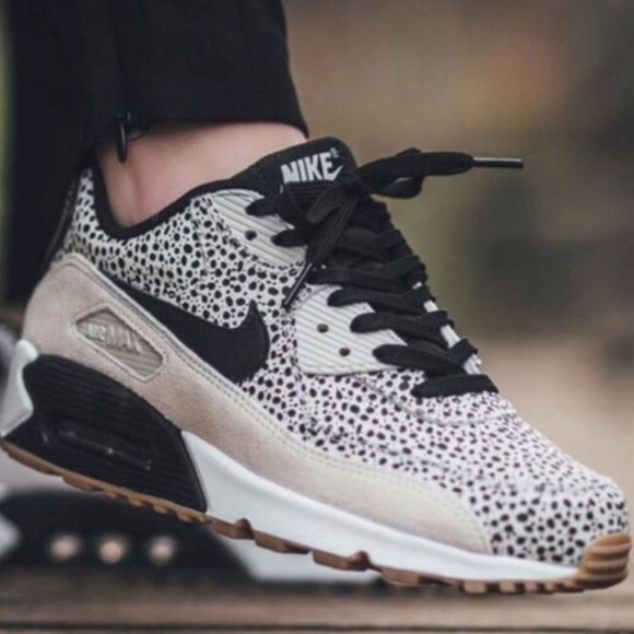 sports shoes 3a17f 51515 Nike Airmax 90 Sneaker - Leopard spotted. M 5b00af9e739d4817e2d51bfc